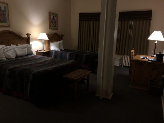 Glacier Park Lodge room